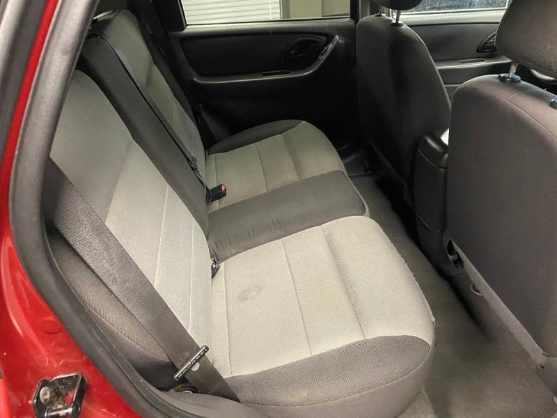 Ford Escape 2005 price $4,490