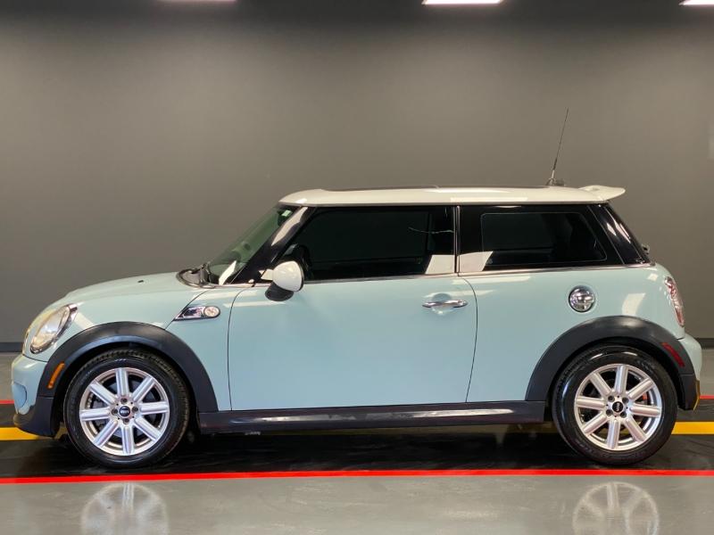 Mini Cooper Hardtop 2011 price $5,995