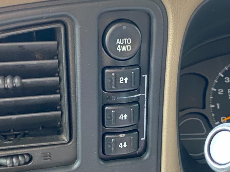 Chevrolet Suburban 2004 price $5,490