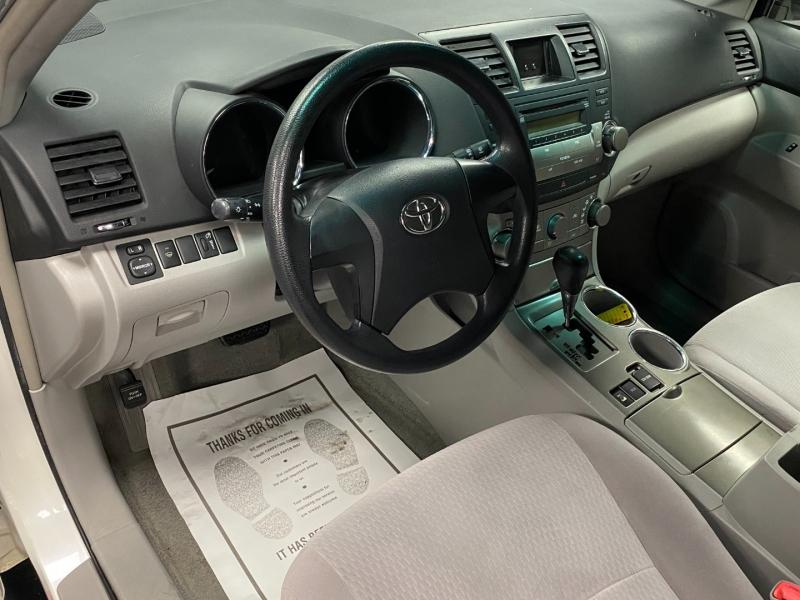 Toyota Highlander 2008 price $7,999