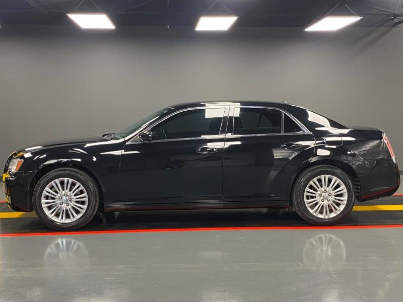 Chrysler 300 2014 price $11,890