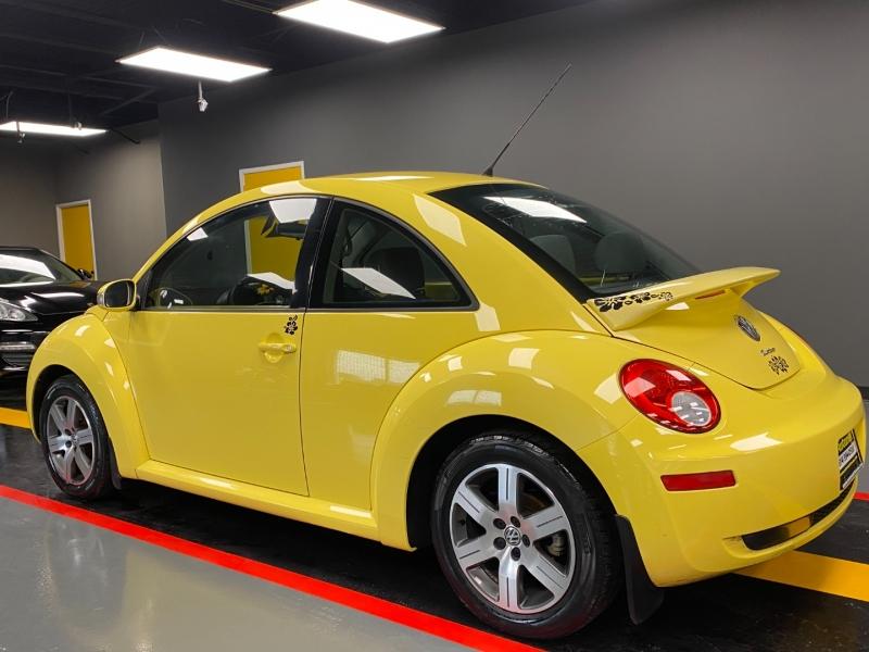 Volkswagen New Beetle Coupe 2006 price $4,995