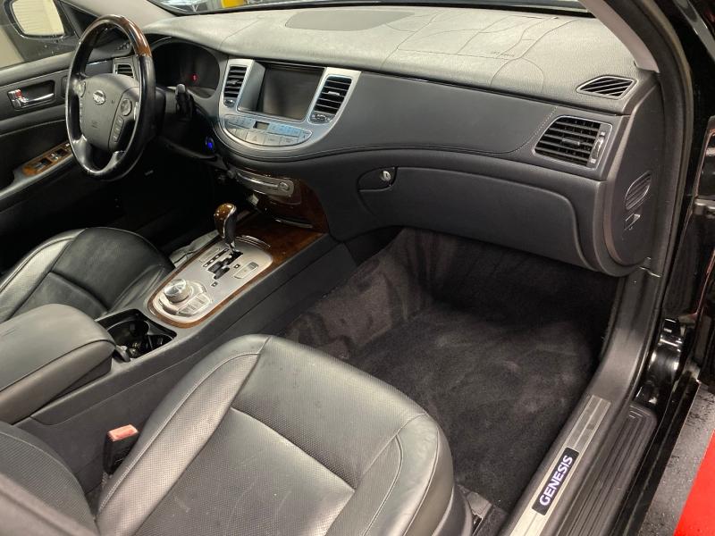 Hyundai Genesis 2009 price $6,850