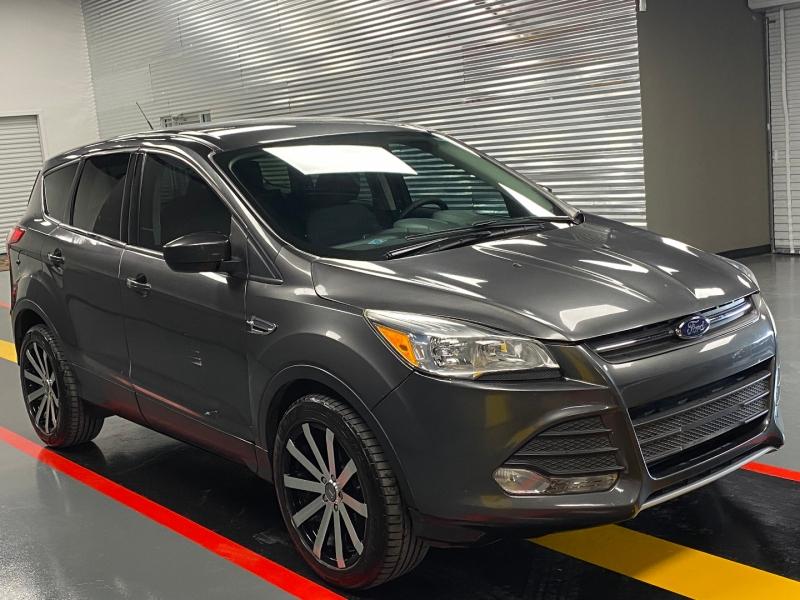 Ford Escape 2016 price $10,850