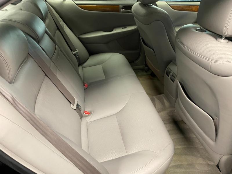 Lexus ES 330 2005 price $5,995