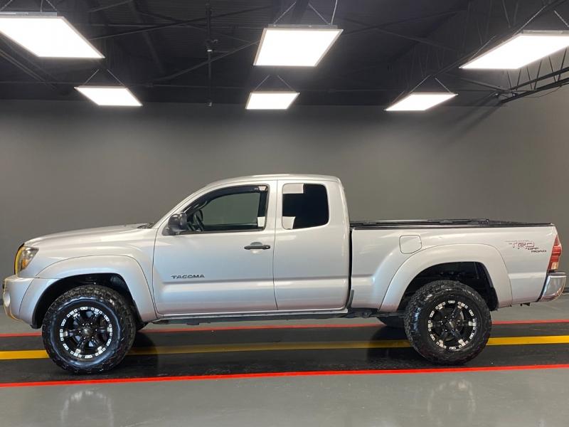 Toyota Tacoma 2006 price $8,850