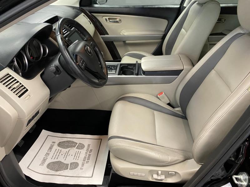 Mazda CX-9 2011 price $8,850