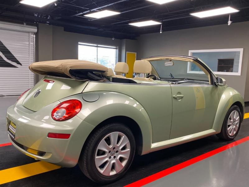 Volkswagen New Beetle Convertible 2009 price $6,850