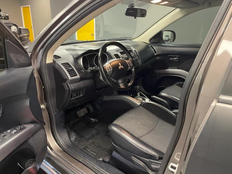 Mitsubishi Outlander 2013 price $10,980