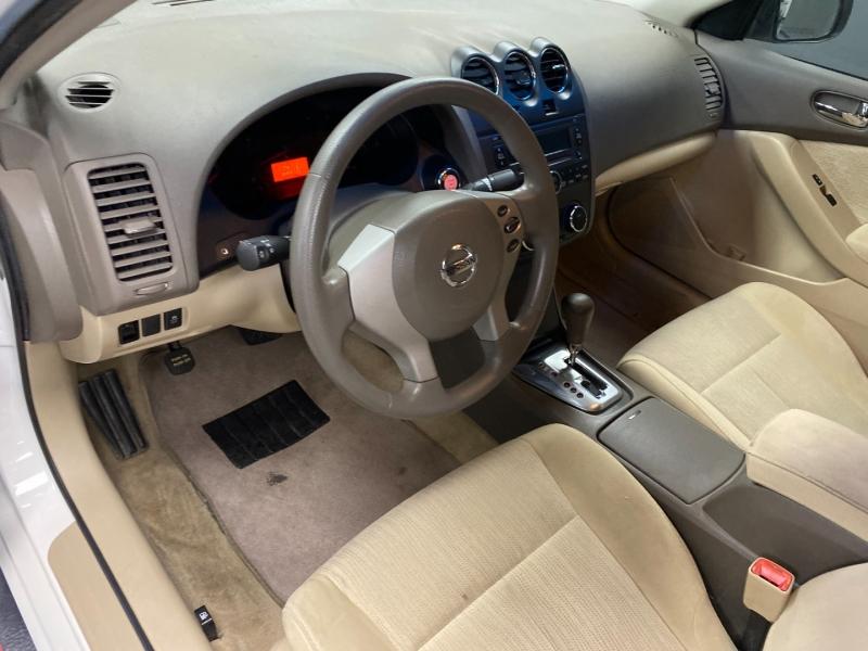 Nissan Altima 2011 price $5,995