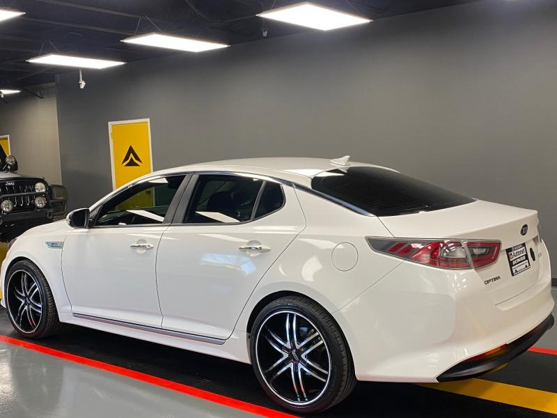 Kia Optima Hybrid 2015 price $11,950