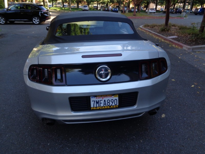 Ford Mustang 2013 price $12,990