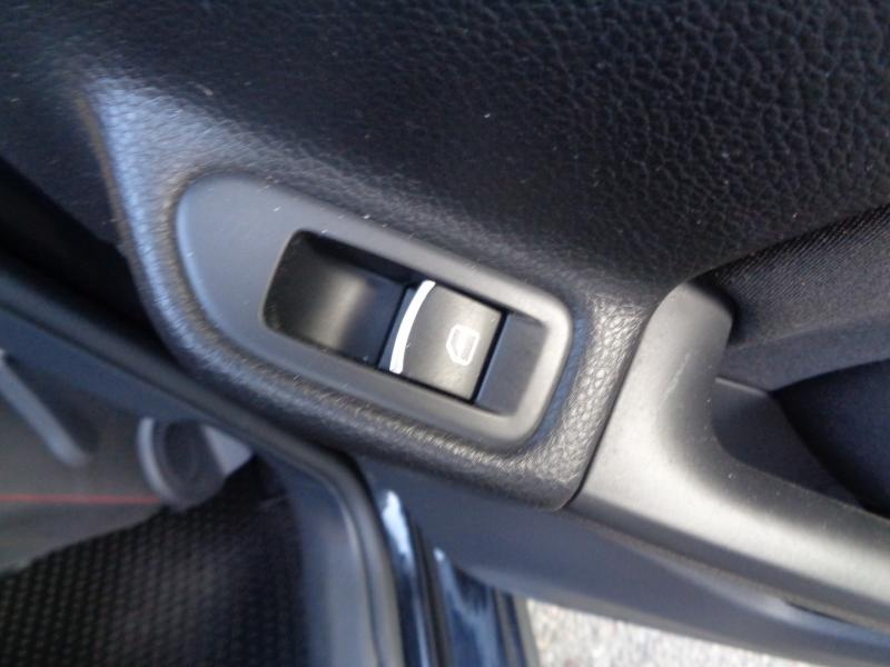 Volkswagen GTI 2013 price $11,990
