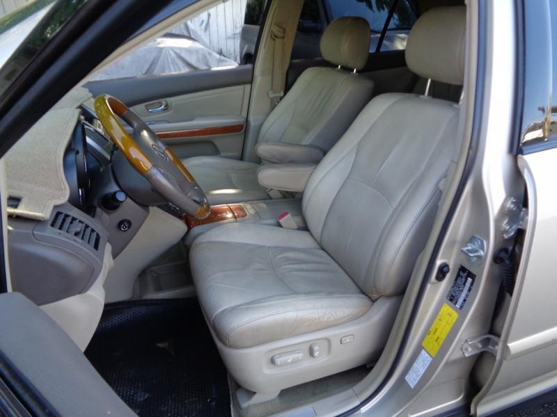 Lexus RX 330 2004 price $7,880