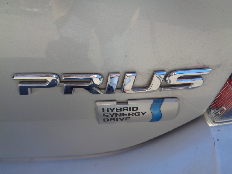 Toyota Prius 2009 price $6,990