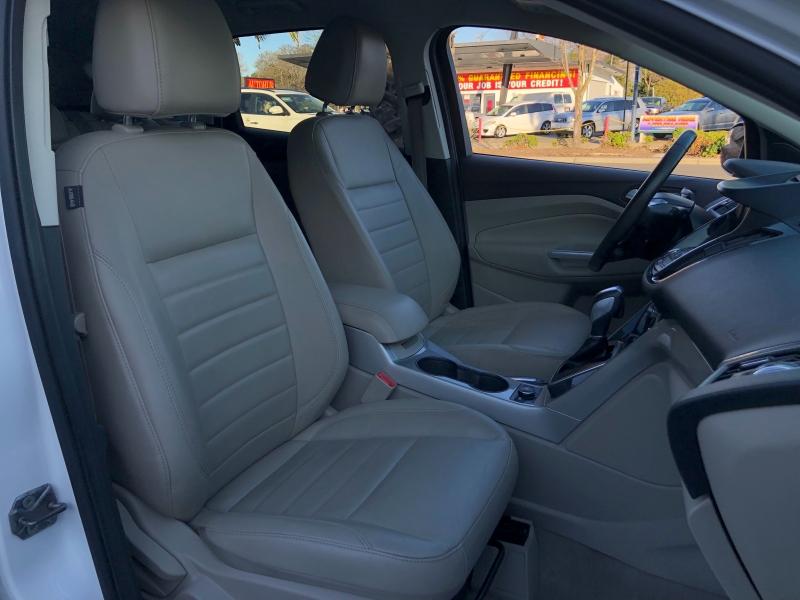 Ford Escape SEL 2013 price $10,998