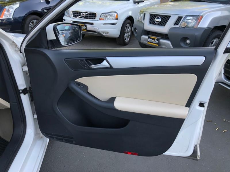Volkswagen Jetta SE PZEV 2014 price $8,998