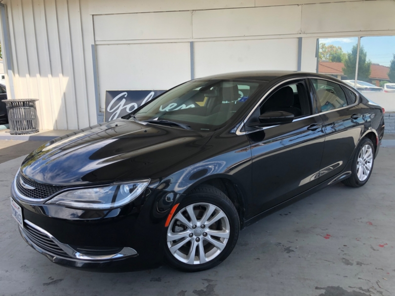 Chrysler 200 Limited Sedan FWD 2016 price $8,998