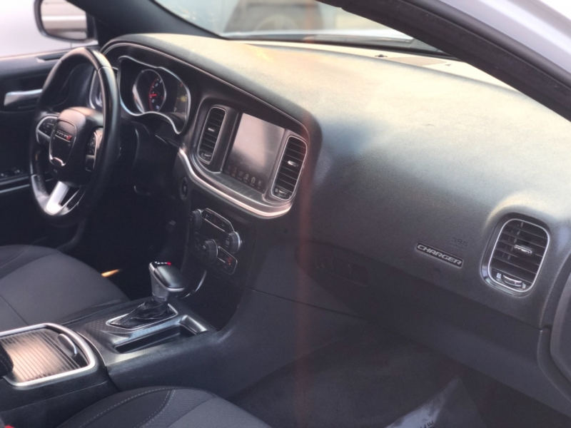 Dodge Charger SXT RWD 2016 price $17,498