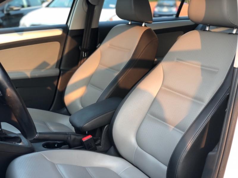 Volkswagen Jetta Sedan 2013 price $10,498