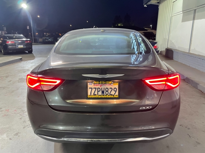 Chrysler 200 Limited FWD 2015 price $10,998
