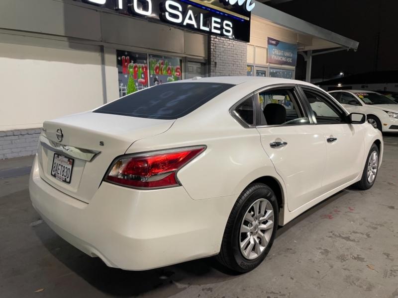 Nissan Altima S 2015 price $9,998