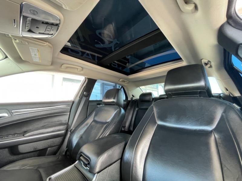 Chrysler 300 Touring RWD 2016 price $16,498