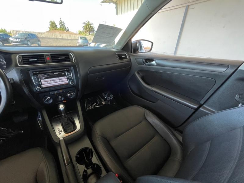 Volkswagen Jetta SE 2012 price $7,998