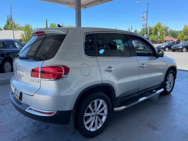 Volkswagen Tiguan 2014 price $9,250