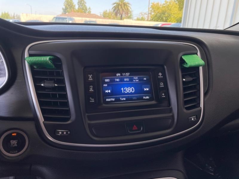 Chrysler 200 Limited 2015 price $11,998