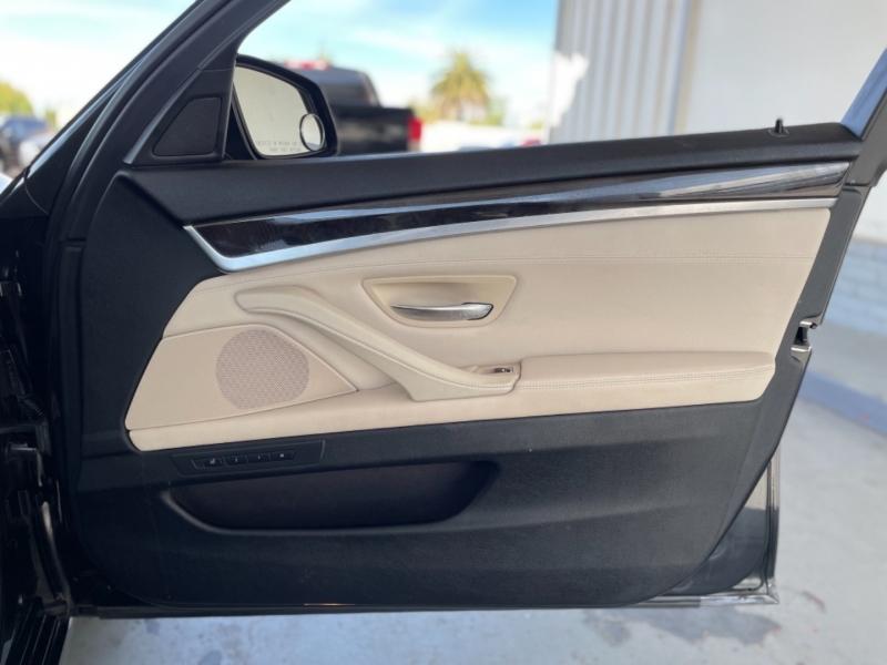 BMW 528i Sedan RWD 2012 price $12,998