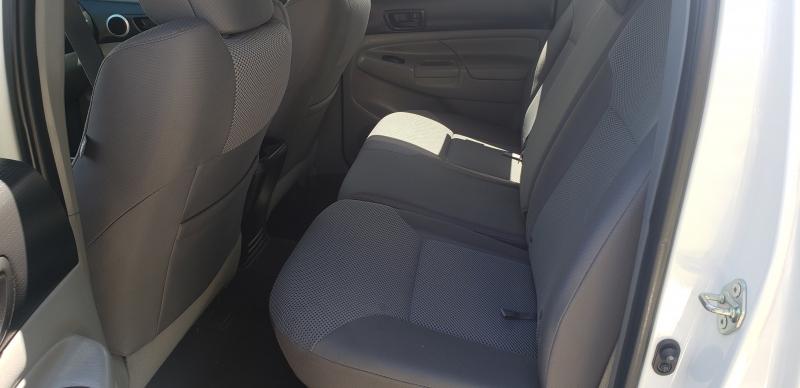 Toyota Tacoma 2015 price $28,500