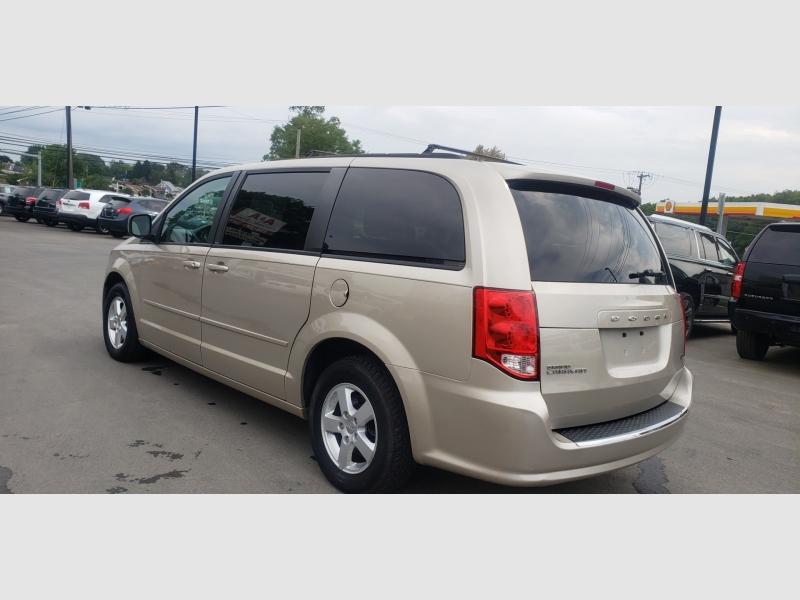 Dodge Grand Caravan 2013 price $8,900