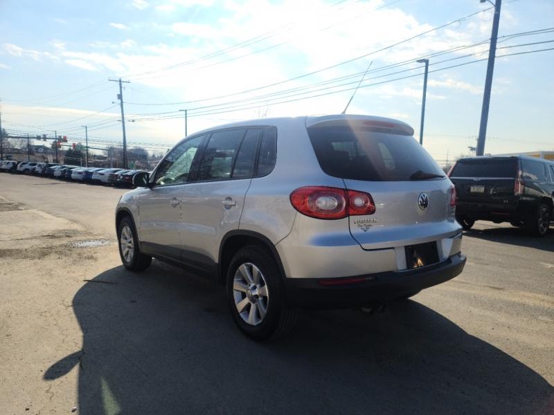 Volkswagen Tiguan 2010 price $6,500