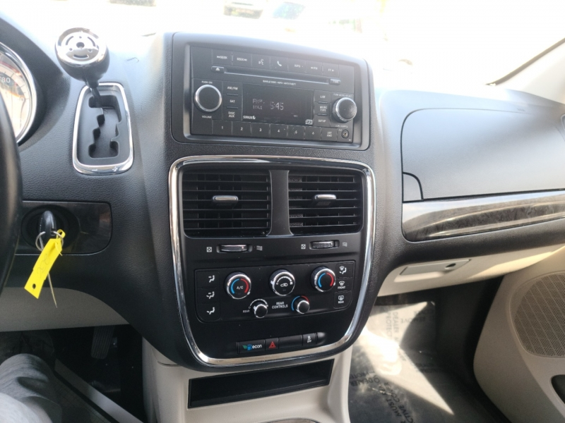Dodge Grand Caravan 2015 price $12,500
