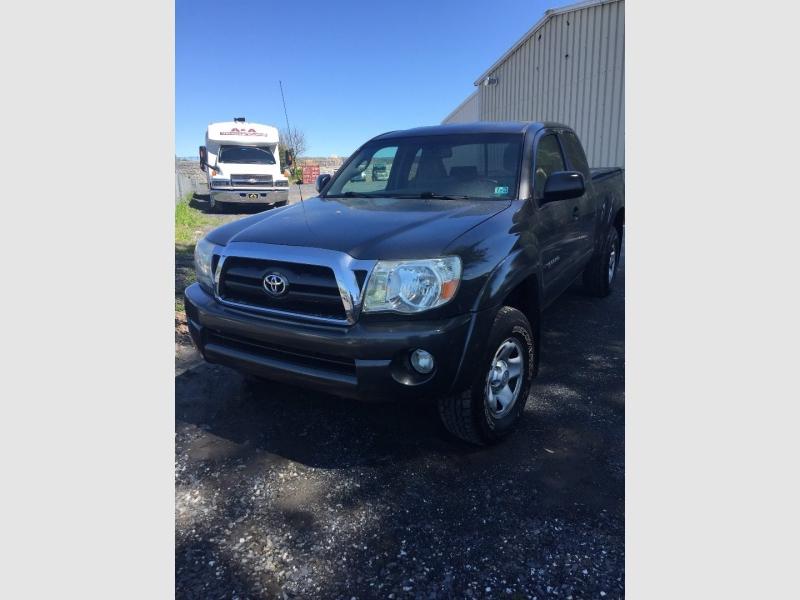 Toyota Tacoma 2009 price $17,500