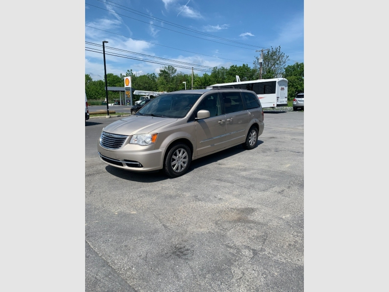 Chrysler Town & Country 2013 price $8,500