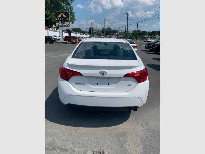 Toyota Corolla 2017 price $15,800