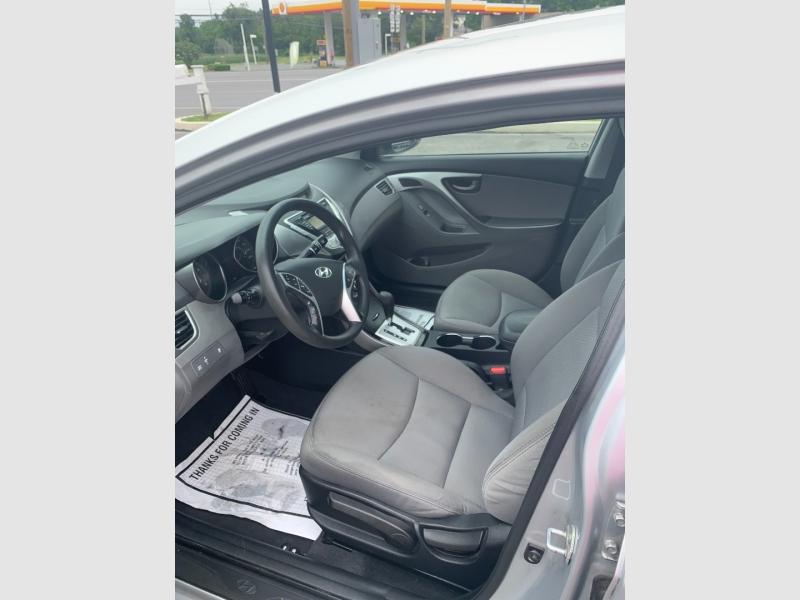 Hyundai Elantra 2012 price $7,700