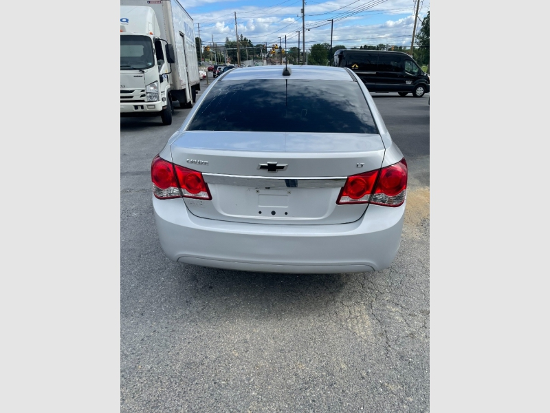 Chevrolet Cruze 2015 price $10,900