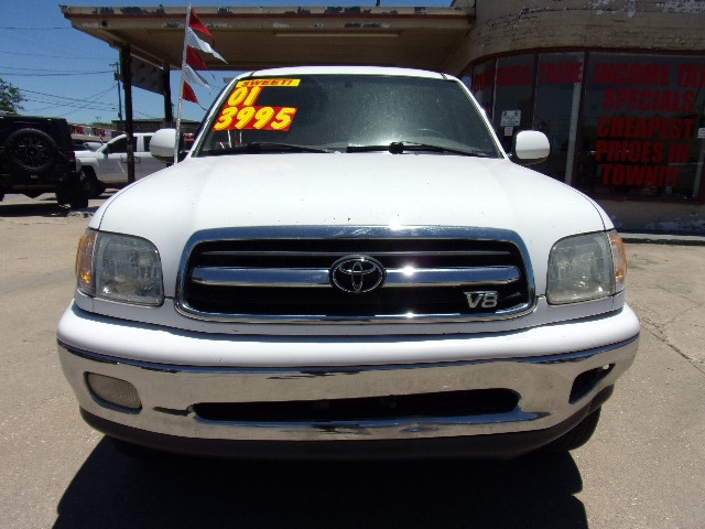 Toyota Tundra 2001 price $3,995