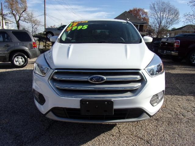 Ford Escape 2017 price $9,995