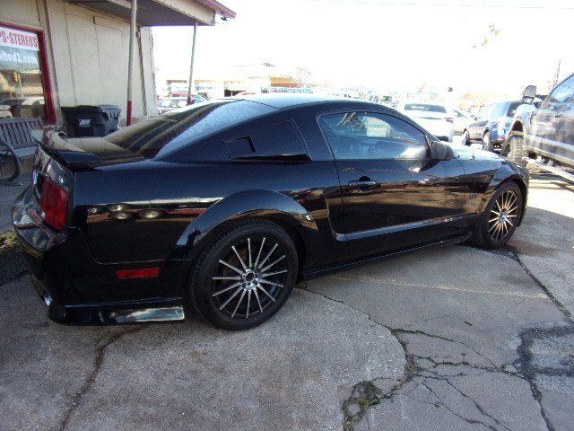 Ford Mustang 2005 price $4,850