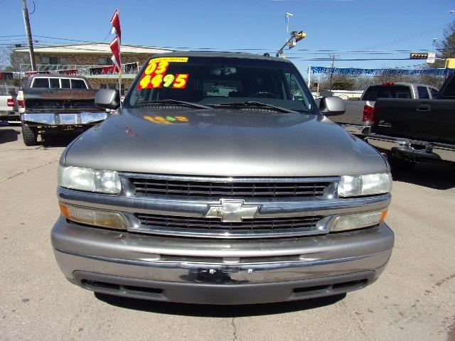 Chevrolet Suburban 2003 price $4,495