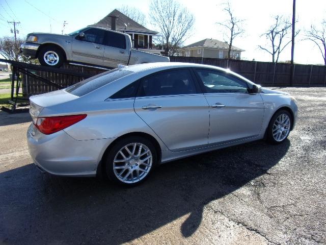 Hyundai Sonata 2013 price $6,995