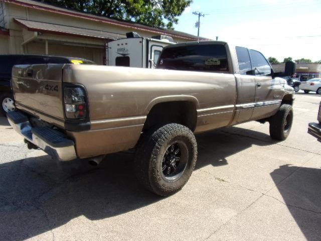 Dodge Ram 2500 2001 price $6,995