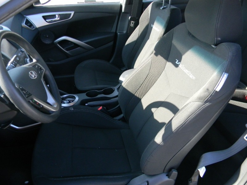 Hyundai Veloster 2013 price $10,995