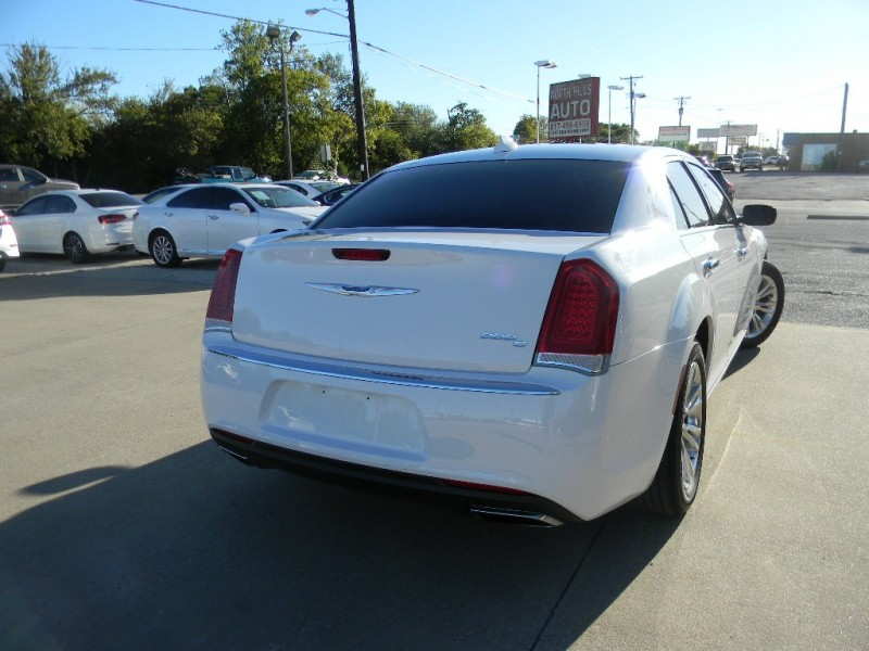 Chrysler 300 2016 price $22,995