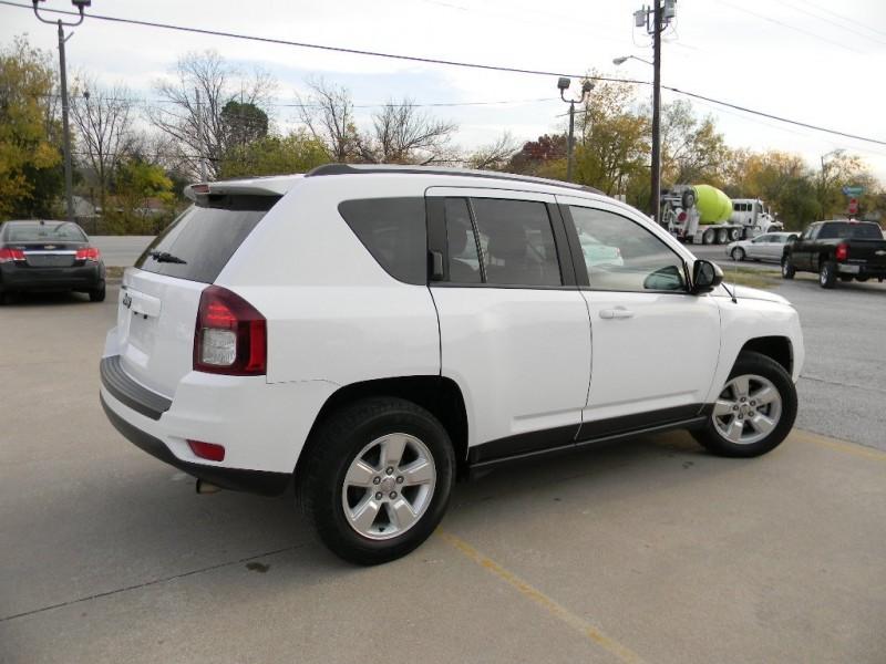 Jeep Compass 2015 price $11,995