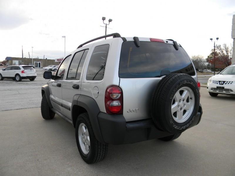 Jeep Liberty 2006 price $6,995